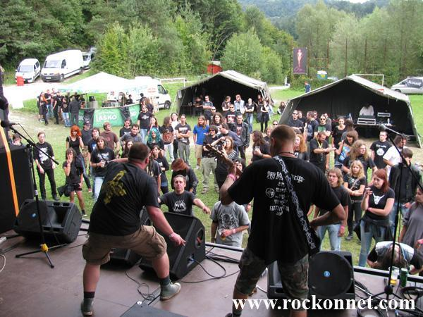 Kotredež pri Zagorju ob Savi 3.-4. September 2010 Vstopnina: 15 €Prvi vikend v septembru, torej 3. in 4. septembra je bila na sporedu že tretja ponovitev festivala, ki je že dobil podobo in si prislužil svoje mesto pod soncemna slovenski metal sceni. Seveda govorimo o festivalu Metal Kramp, ki se nam je predlani prvič predstavil...