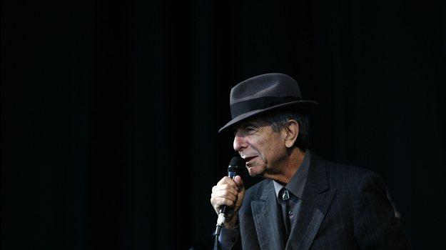 Kanadski melanholik Leonard Cohen naj bi še do konca letošnjega leta posnel nov album, kar bi pomenilo prvo izdajo po sedemletni pavzi. V studiu z njim je tudi njegov sin Adam Cohen, ki pri albumu sodeluje le kot svetovalec, neposredno vanj ni vpleten. Kot sam pravi, mu to popolnoma zadostuje in da je zelo počaščen,...