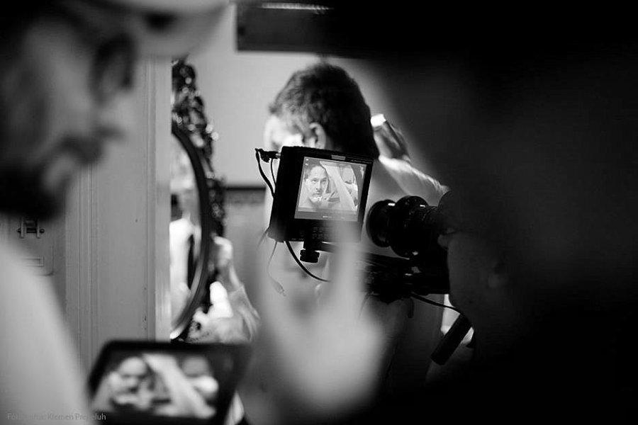 Po samostojno predstavljenih skladbah oziroma videospotih za skladbe Snow, Decline in Letters from the other side, predstavlja kranjska rock skupina The Tide, sedaj svoj četrti single in tretji videospot za skladbo Ready to go, iz njihovega zadnjega in še zmeraj aktualnega albuma Kings of the hill. Tudi tokrat je za režijo videospota poskrbel Miha Knific,...