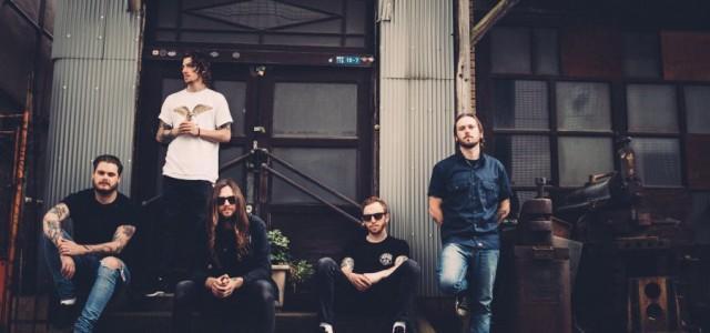 Metalkorovci While She Sleeps pred izidom novega albuma predstavljajo videospot za komad Four Walls.