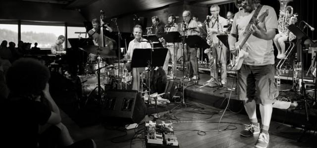 Na prvi večer festivala so nastopili Flat Earth Society (Homage to Mr Zappa – Don't worry, Frank is dead anyway), Kristijan Krajnčan Project (Hidden Myth) in KUU!.